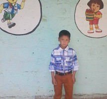Aashish peu après son arrivée à la Fewa school