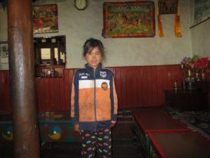 Tasi, enfant de 8 ans exploitée dans un hôtel du Haut Mustang